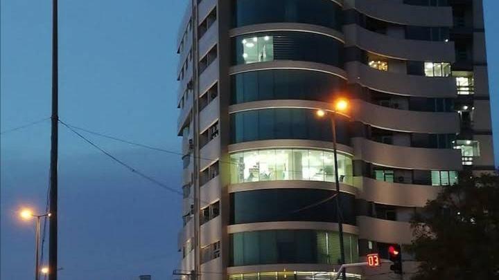 ساختمان شهر پزشکان