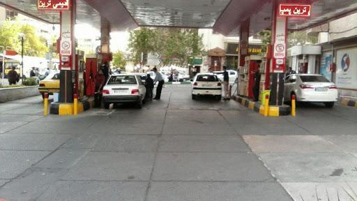 پمپ بنزین 151