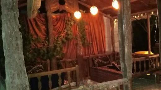 باغ رستوران سنتی دنج