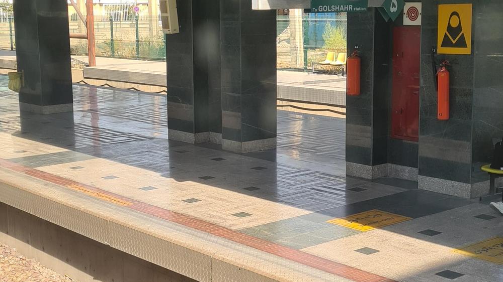 پارکینگ ایستگاه مترو کرج